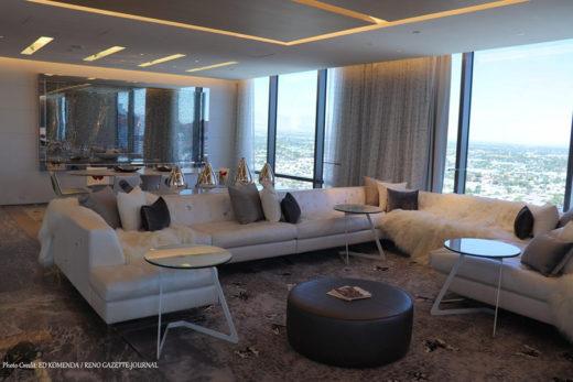 Palms Hotel Suite